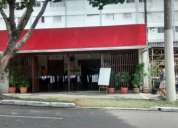 Restaurante na rua da prefeitura e da camara de vereadores