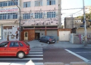 Particular aluga loja na Granja do Torto.
