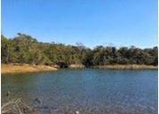 Excelente lote escriturado na beira do lago