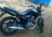 Vendo linda moto 2012