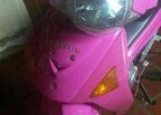 Vendo excelente moto  - 2010