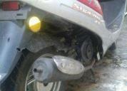 Linda moto jonny escooter 50 cc  - 2011