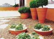 Jade jardim...especialista em cuidar bem do seu jardim.