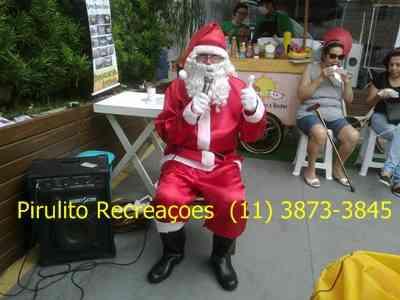 Papai Noel locutor para entrada encantada em lojas