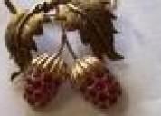 Broche de ouro rose com rubi em vermelho