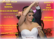 Curso de valsa para noivos.