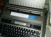 Vemdp uma maquina de escrever elétrica com memória