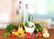 Digitação de receitas culinárias, livros e caderno