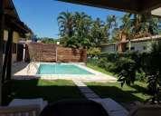 Excelente casa com piscina em condominio
