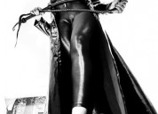 Rainha procura escravos para serem domados
