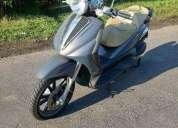 Excelente scooter italiana piaggio