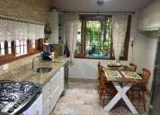 Alugo linda casa mobiliada com 3 quartos