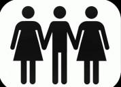 Casal procura mulher