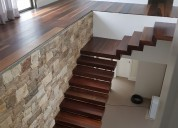 Quer comprar uma escada de madeira maciça?